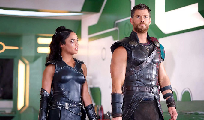 Thor_Ragnarok_Tessa_Thompson_Chris_Hemsworth