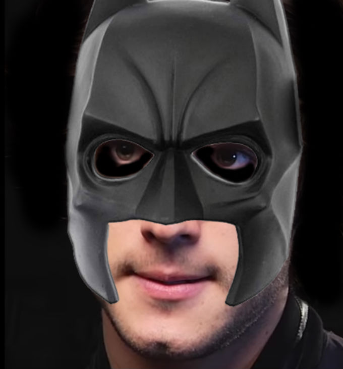 Diego-Boneta-Como-Batman