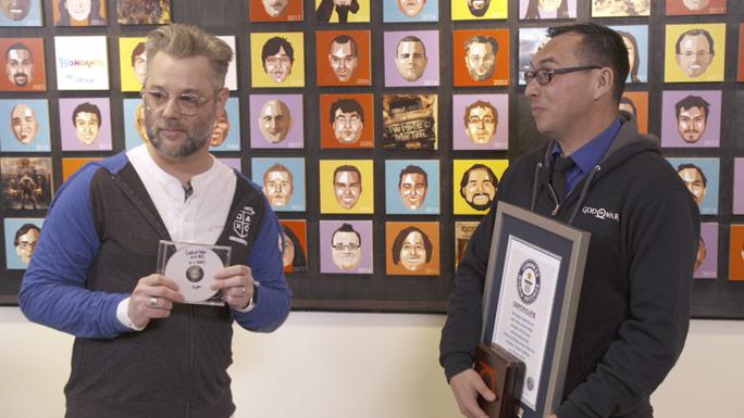 Mexicano obtiene récord por colección de God of War
