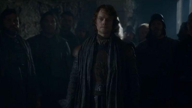 Theon Greyjoy vuelve para ayudar a los Stark