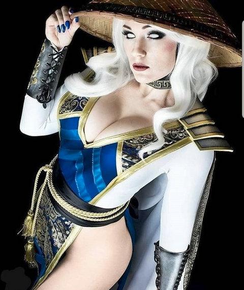 Raiden de Mortal Kombat 11 cambia de sexo en increíble cosplay