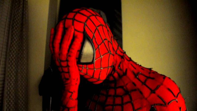 Acusan a escultura de Spider-Man de ser satánica