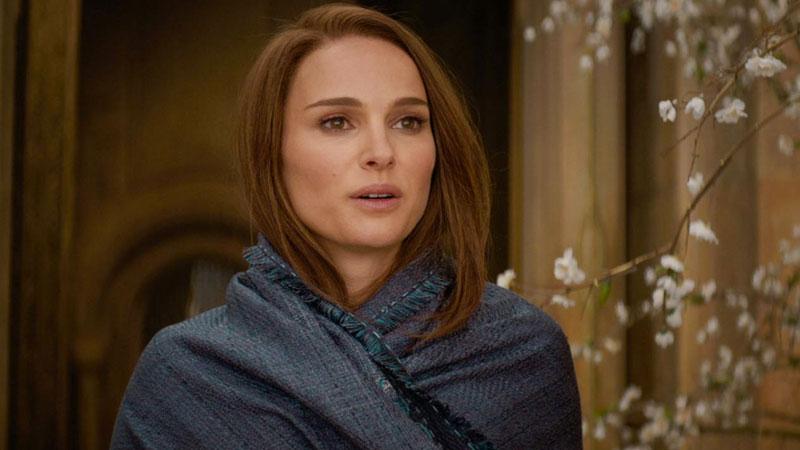 Natalie Portman como Jane Foster