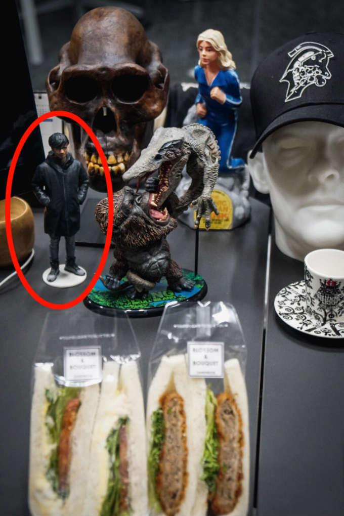 Hideo-Kojima-Estatua