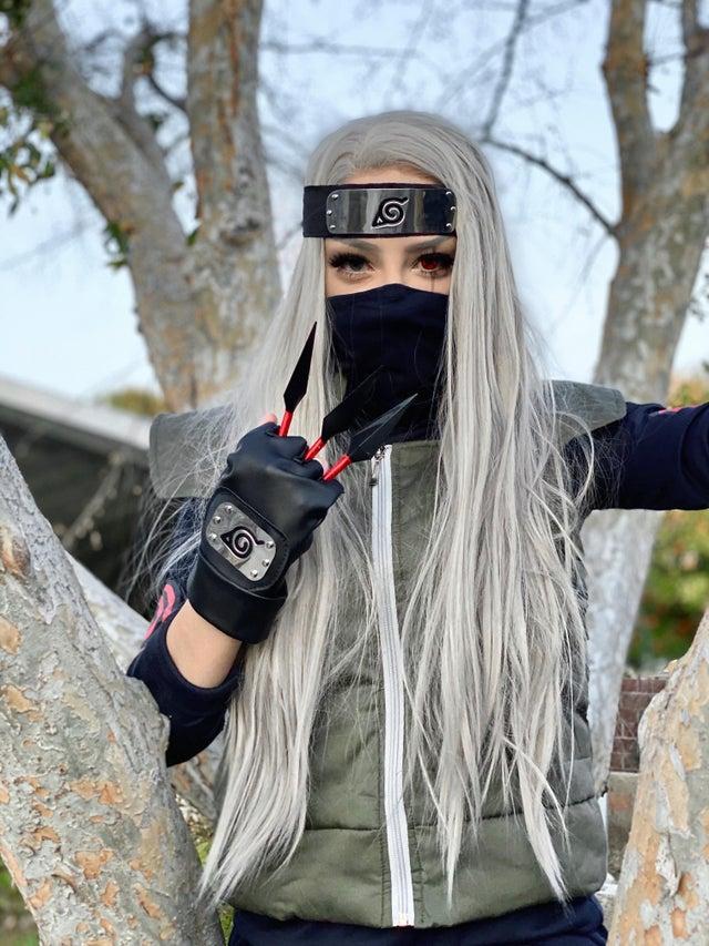 Kakashi-sensei de Naruto cambia de sexo de nuevo gracias al cosplay