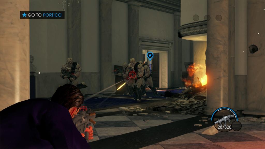 Personaje apuntando a los enemigos en Saints Row IV