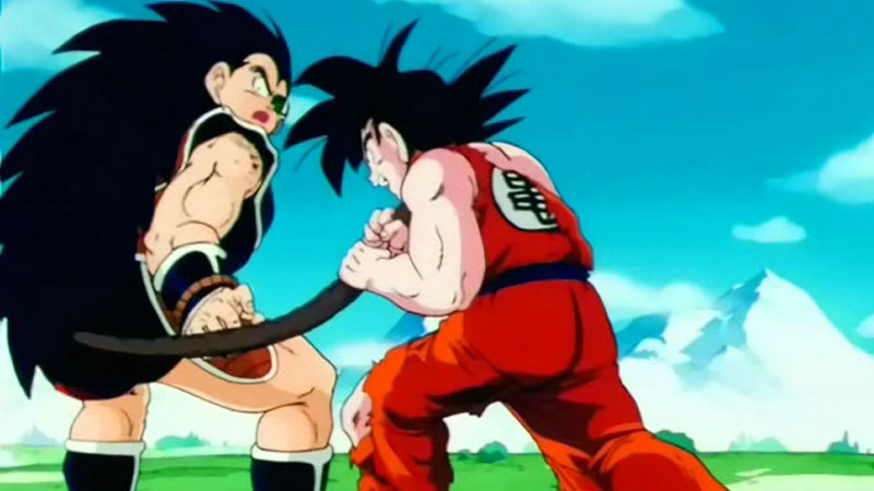 Goku le agarra la cola a Radditz