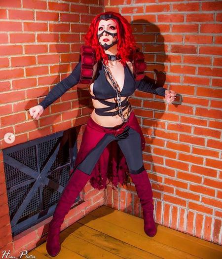 My Hero Academia: El Red Riot cambia de sexo con el cosplay