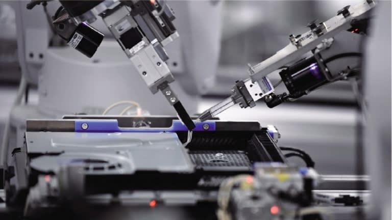 La fábrica de Sony en Japón ensambla PS4 en 30 segundos.