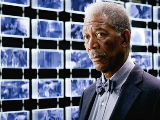 Morgan Freeman en Batman como Lucius Fox