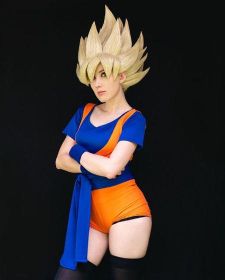 Dragon Ball Z: Goku cambia de sexo y su cabello se ve genial