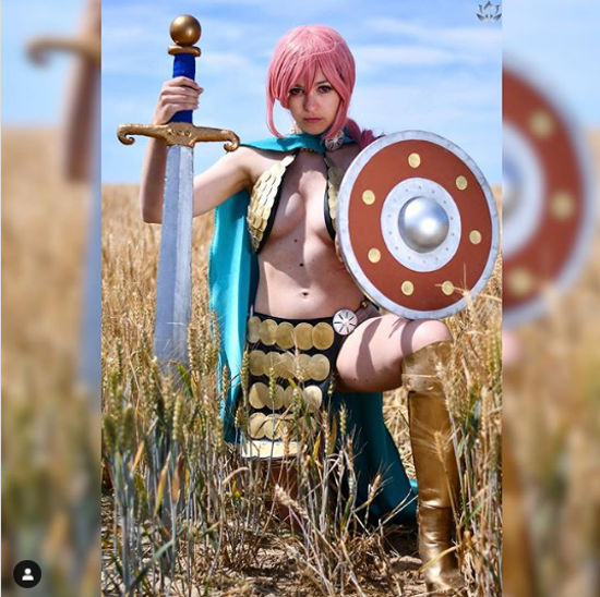 One Piece: Rebecca consigue un buen cosplay