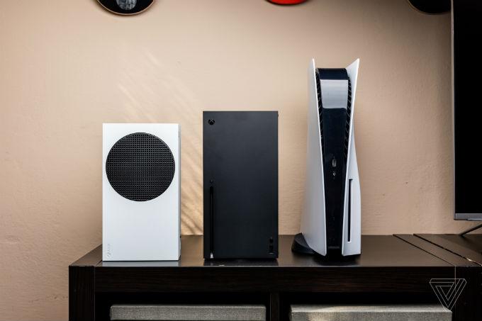 Xbox-Series-X-Tamano-PlayStation-5