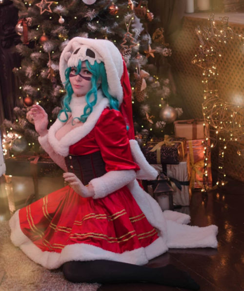 Nell de Bleach consigue un cosplay navideño